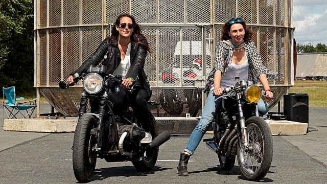 Street Portrait #27  Aurélie & Nathalie