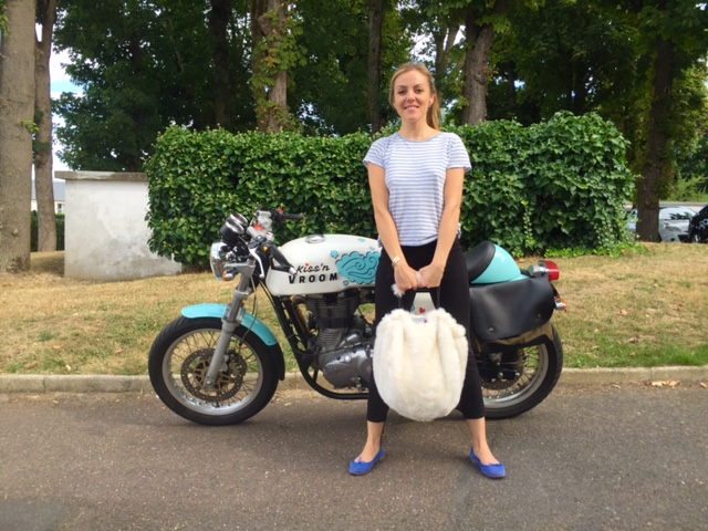 Kissnvroom_Blog moto filles_sacs Dal Zotto_Fourrure_RoyalEnfield